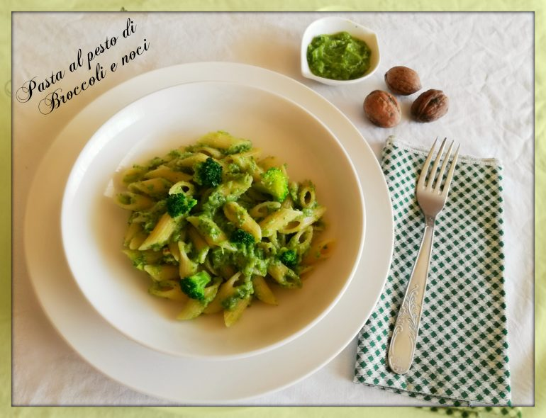 Pasta al pesto di broccoli e noci