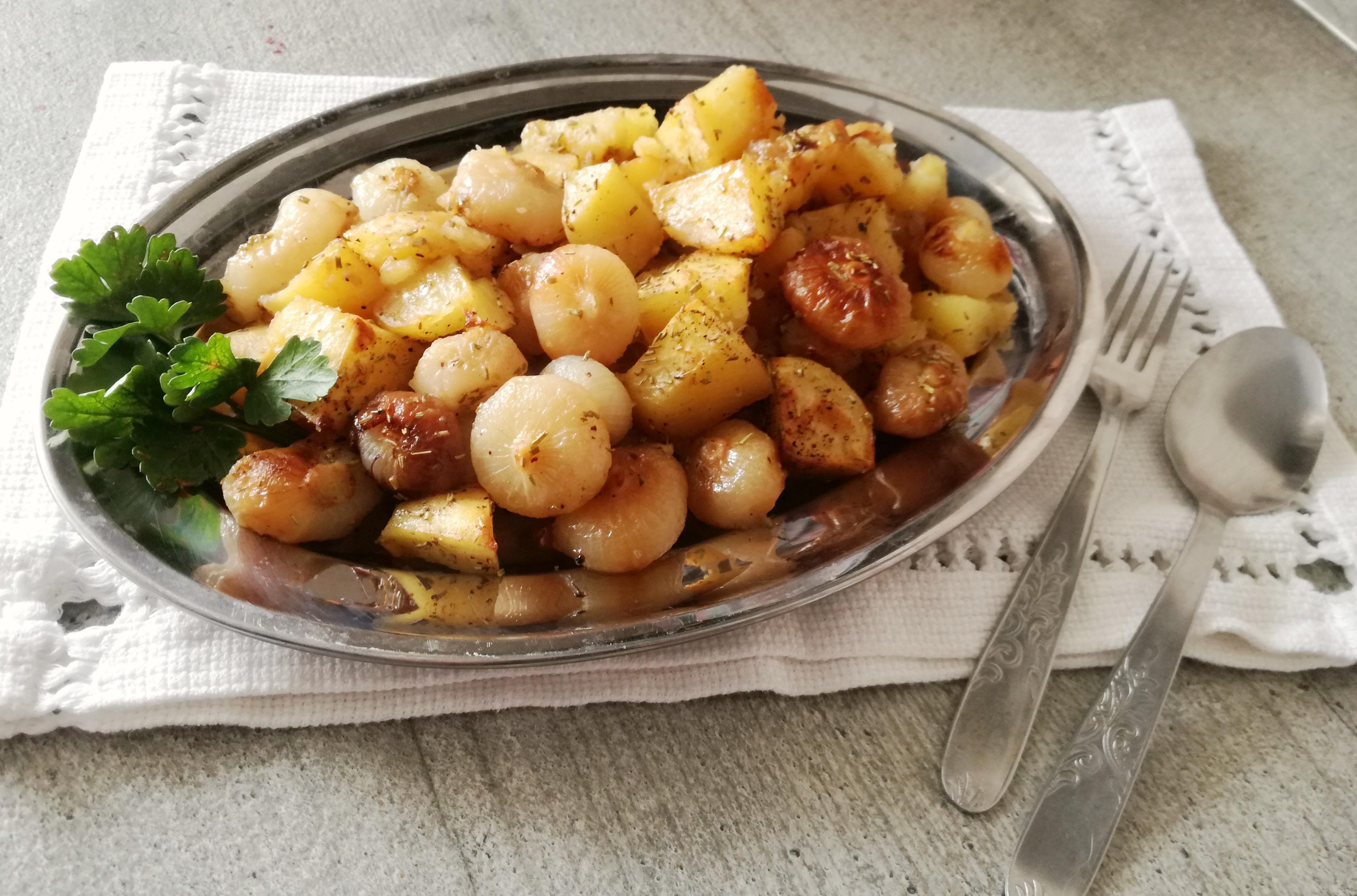 Patate e cipolline Borettane al forno