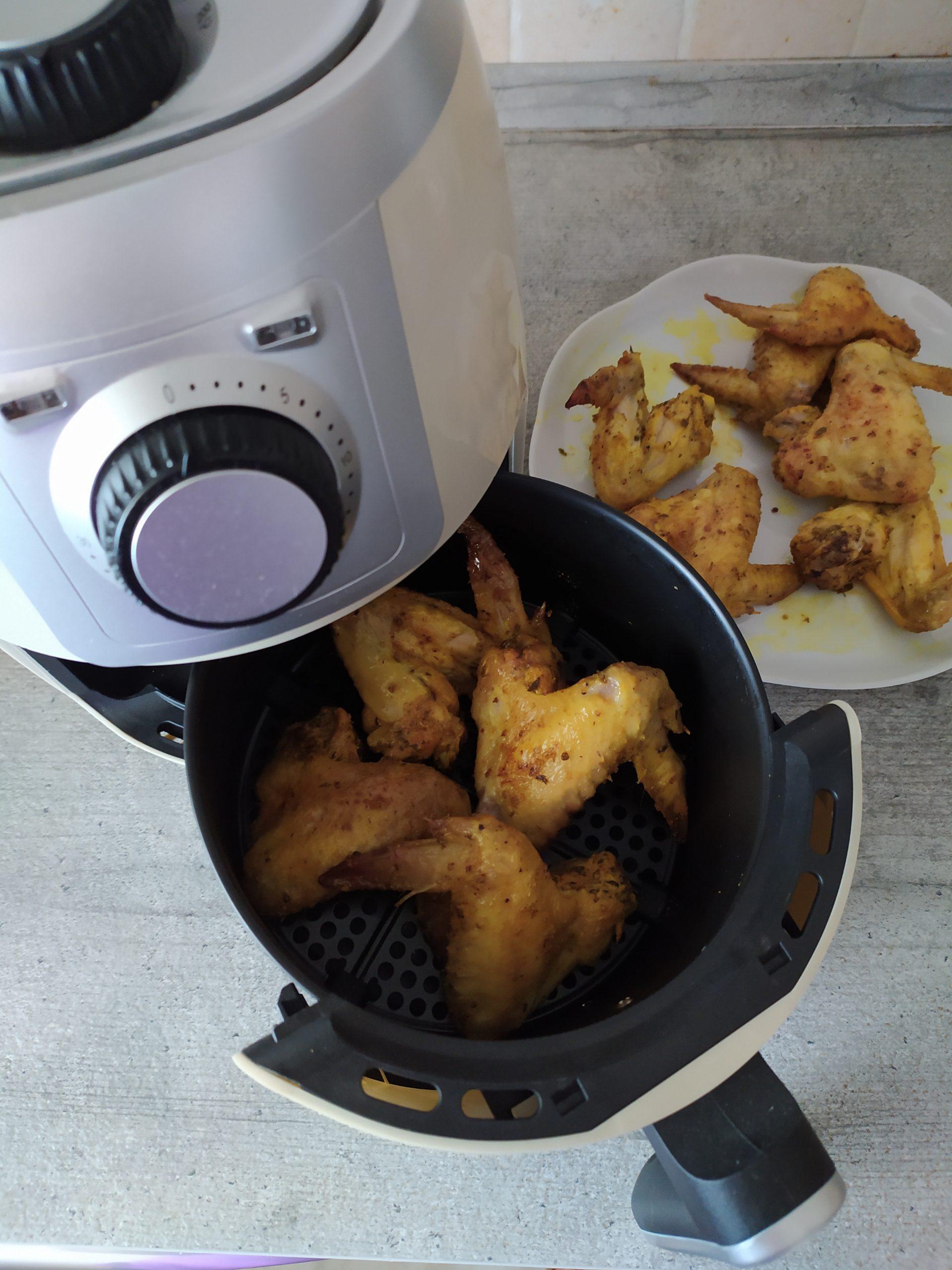 Ali di pollo speziate cotte nell Air Fryer